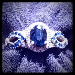 18k White Gold Stamped Sapphire Ring